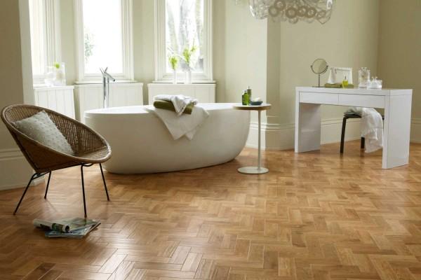 Kardean-Wood-Bathroom-Room